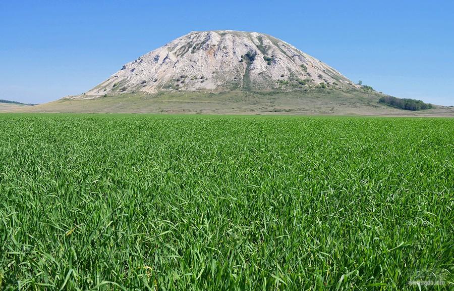 Шихан (Трата́у, Тората́у; башк. Торатау — «крепость-гора»
