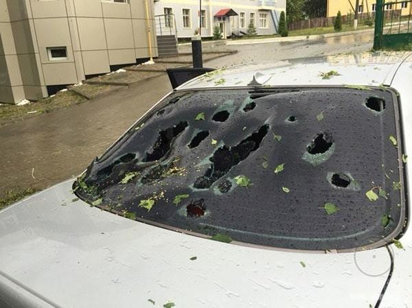 Град побил машину в Хмельницком, Украина