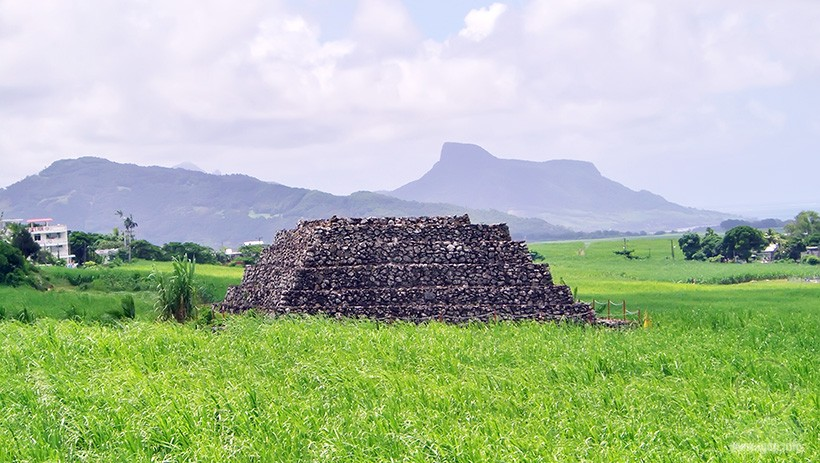 пирамиды на Маврикии