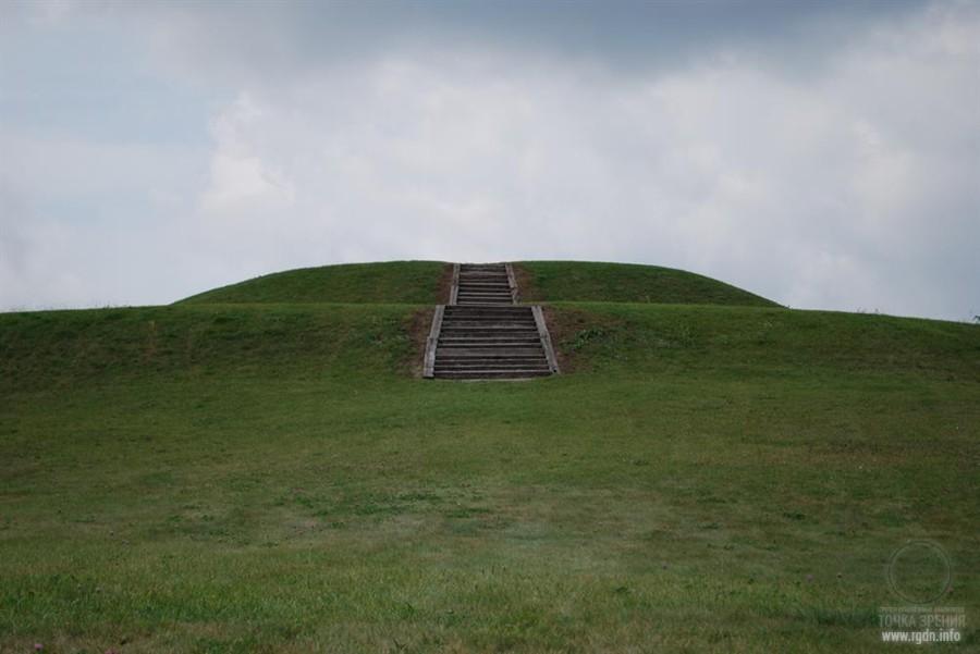 пирамиды  парка Ацталан