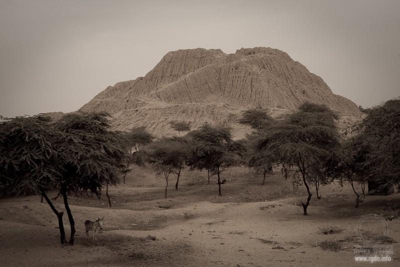 пирамиды в долине Ламбайеке (Lambayeque)