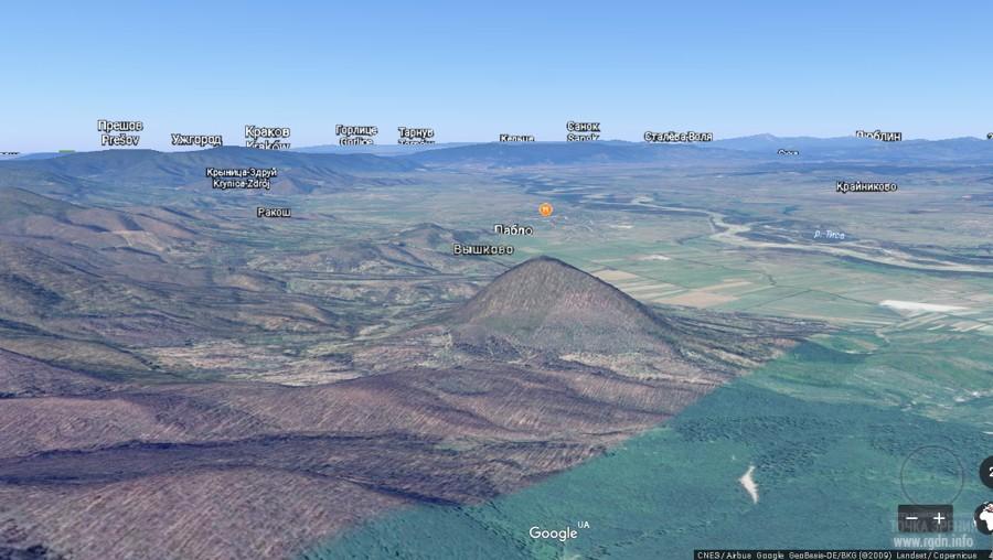 пирамидальный холм неподалеку от Вышково