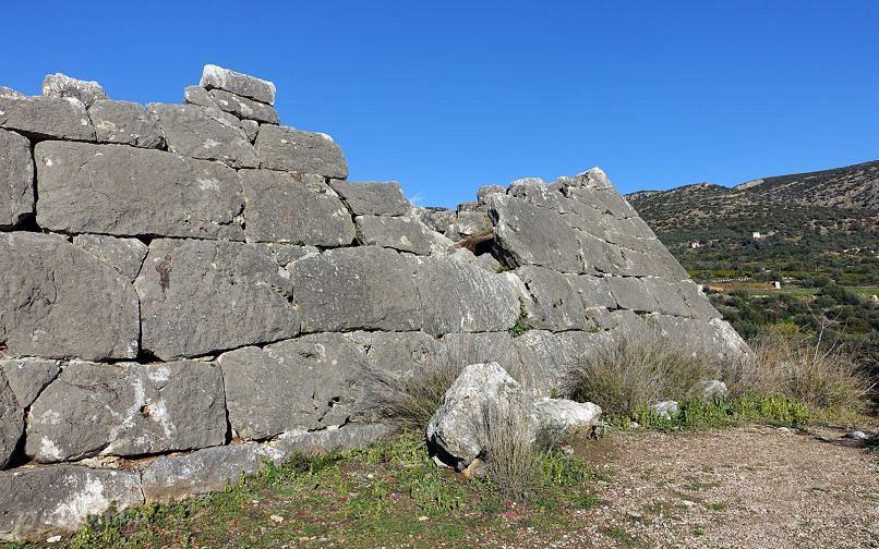 пирамида Эллинико, в Греции