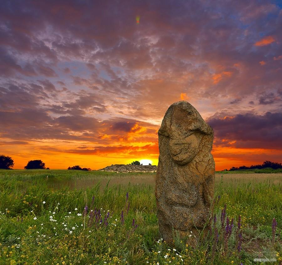скифские каменные бабы. Заповедник Каменная могила Заповедник Каменная могила. Украина