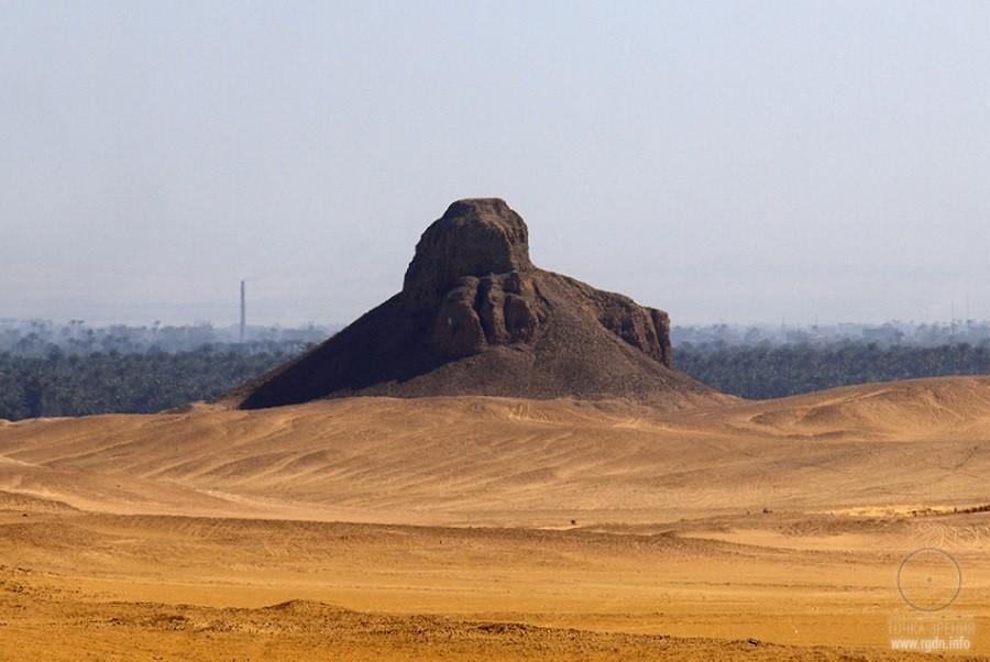 Темная пирамида в Дашуре