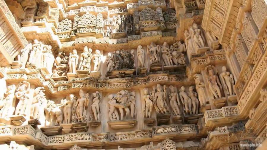 Храм Кандарья Махадева в Кхаджурахо