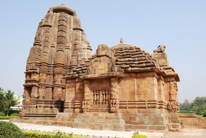 Храм Раджа Рани