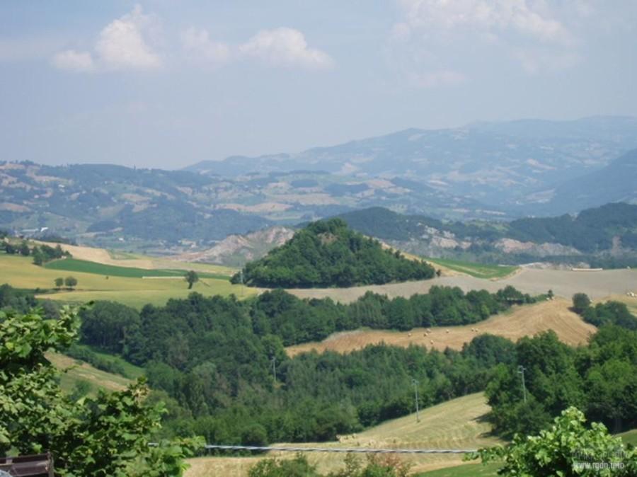 курганы пирамиды в Италии