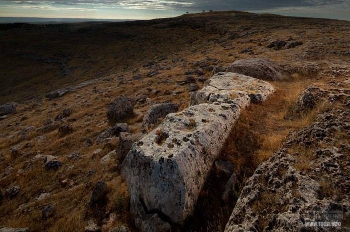Т-образная колонна в каменоломне. Гёбекли-Тепе