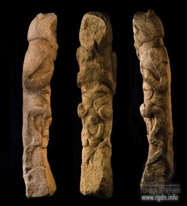 Каменный идол со змеями. Гёбекли Тепе
