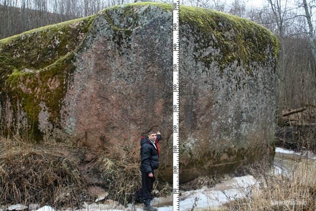 Камень под Старой Руссой