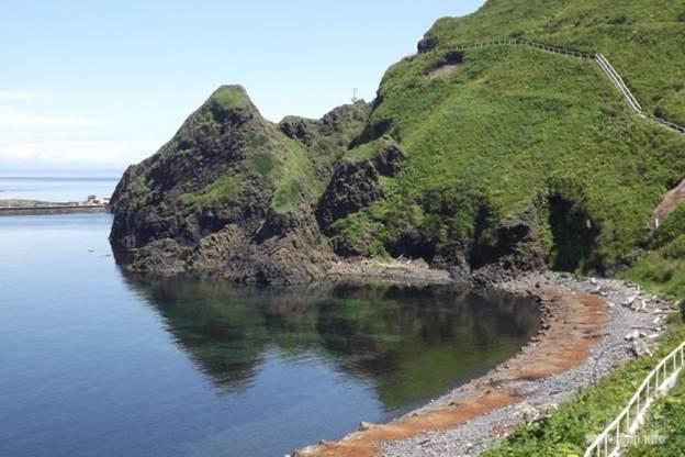 Остров Монерон,  50 км южнее Сахалина