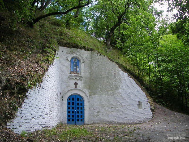 Антониевы пещеры, Любеч