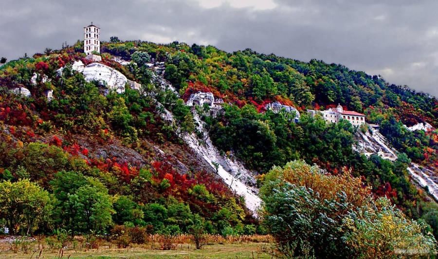 Лядовский скальный монастырь