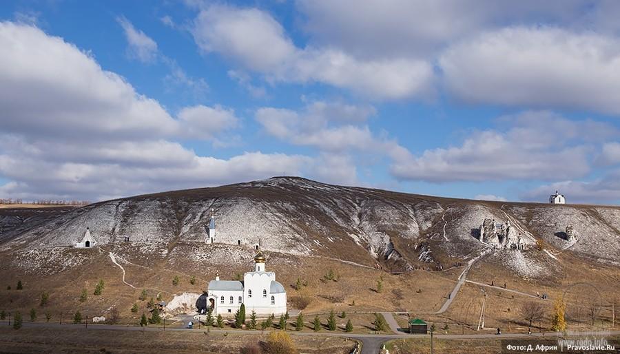 Костомаровский Спасский монастырь