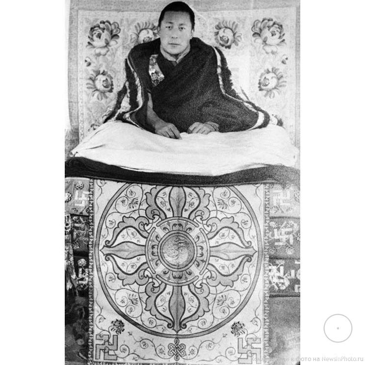 Далай лама в юности