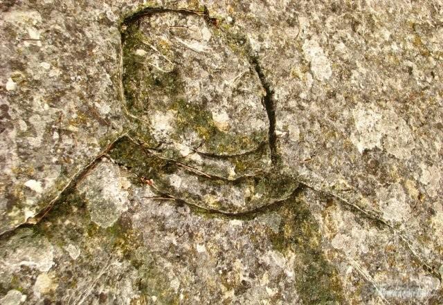 Петроглифы горы Бурун-Кая космонавт