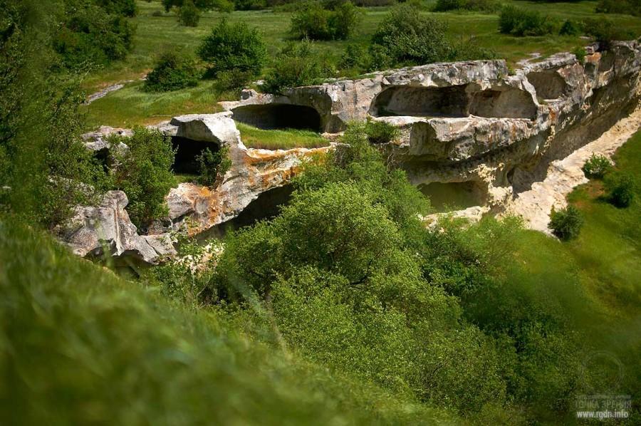Петроглифы пещерного города Баклы