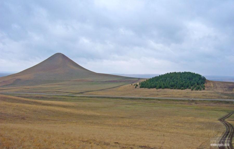 гора Сусакта́у, Сусак-та́у, Суса́к