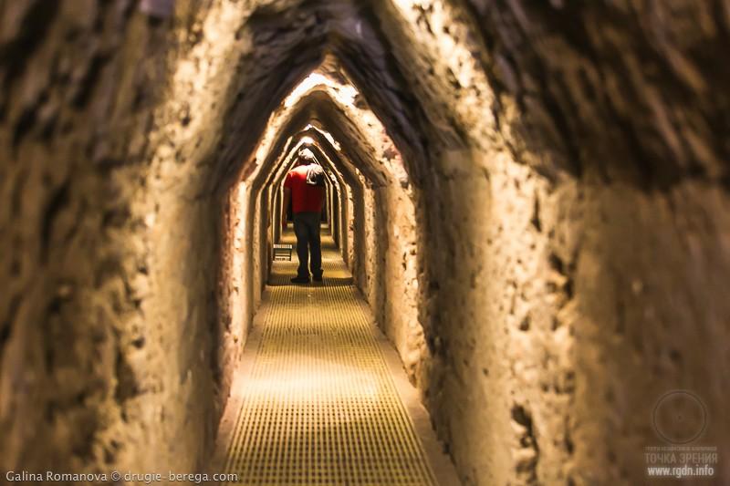 пирамида Чолула, Тлачиуальтепетль, пещеры
