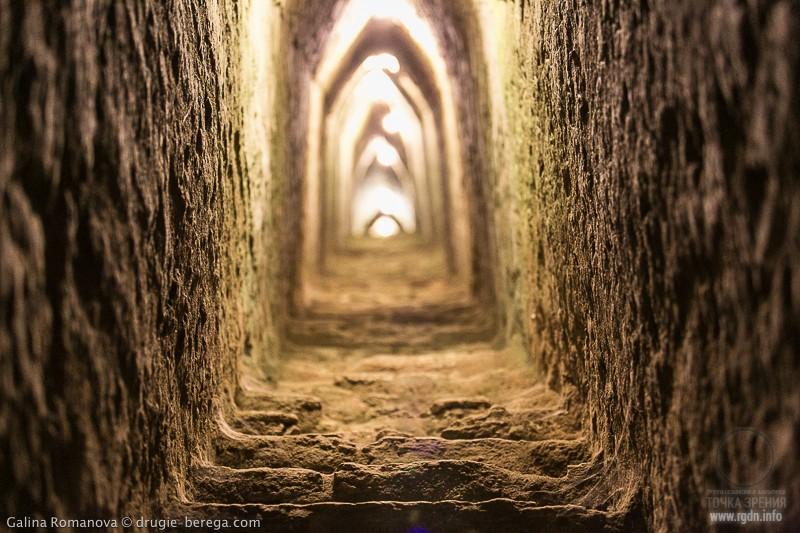 Великая пирамида Тепанапа в Чолуле, Тлачиуальтепетль, пещеры