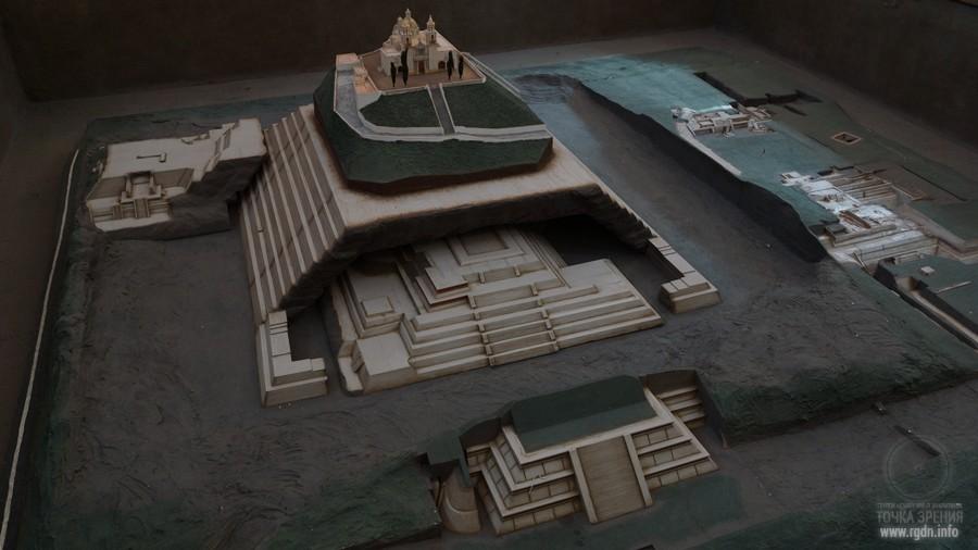 макет пирамиды Чолула