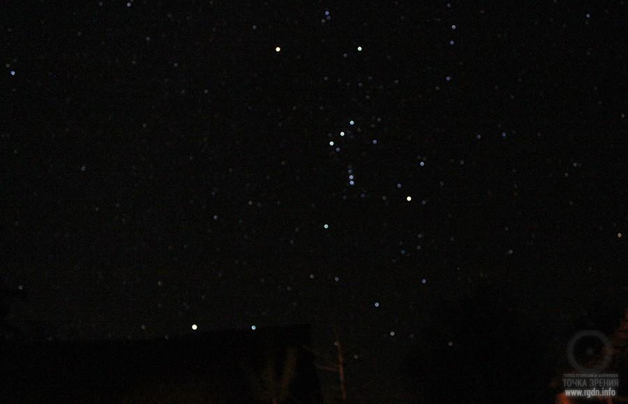 созвездие Орион на ночном небе