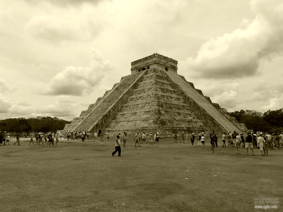фото Храма Кукулькан в городе Чичен-Ица
