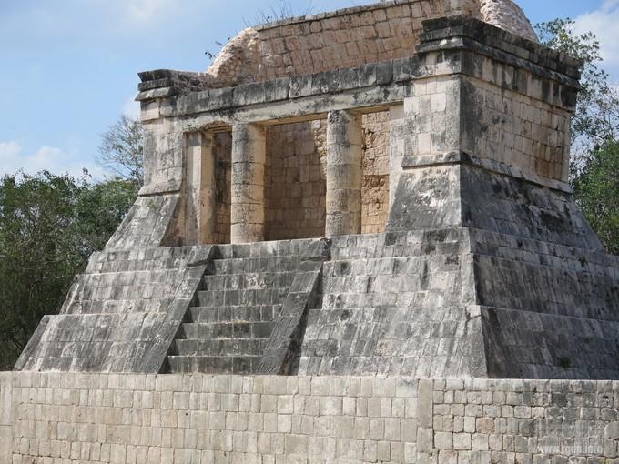 храм Бородатого человека,Кукулькан или (Эль Кастильо)